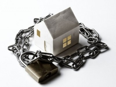 house in padlock and chain - medium size